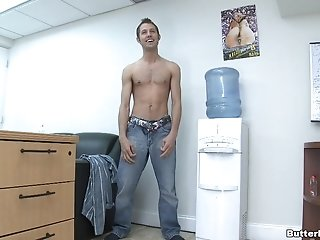 Kyler Rogue Gets His Gay Butt Fucked And Enjoys Cum On His Tongue
