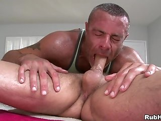 Trace Michaels Gives Rimjob To Tony Hunter And Smashes His Gay Butt